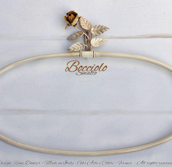 Portasciugamani anello da parete. Bocciolo di Rosa. Ferro battuto. Design: Renee Danzer per GBS Firenze