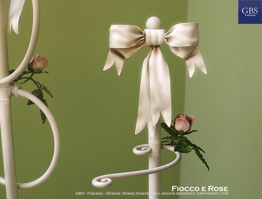 Fiocco e Rose. Accessori per il bagno. Piantana portasciugamani da terra