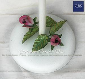 Dettaglio della base della piantana per il bagno. Corda e Rose. Su misura. Arredamento design romantico