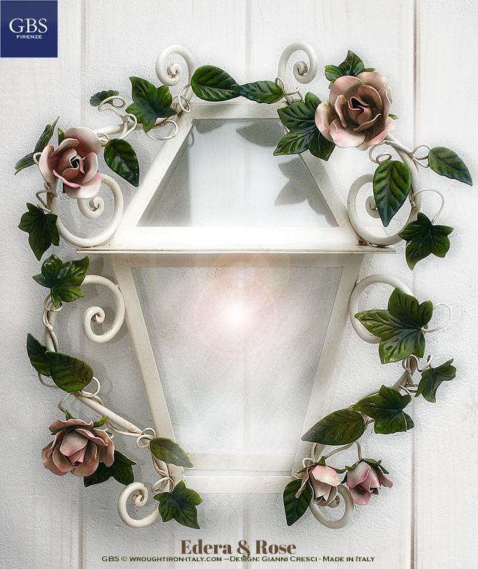 Ivy and Roses. Lanterna Romantica Edera e Rose. Da parete. Ferro battuto e decorato a mano