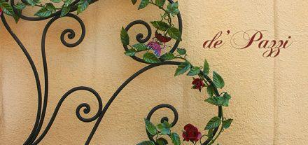 Testa Letto Matrimoniale. Designed' Pazzi. Colore Nero con rose farfalle ed edera. Su misura