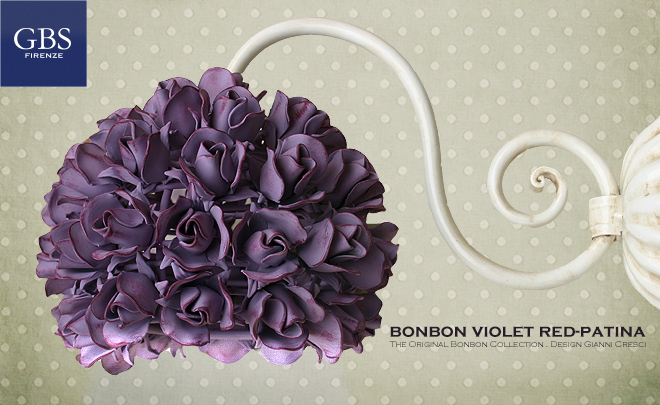 Bonbon violet red-patina. 1 Light wall lamp