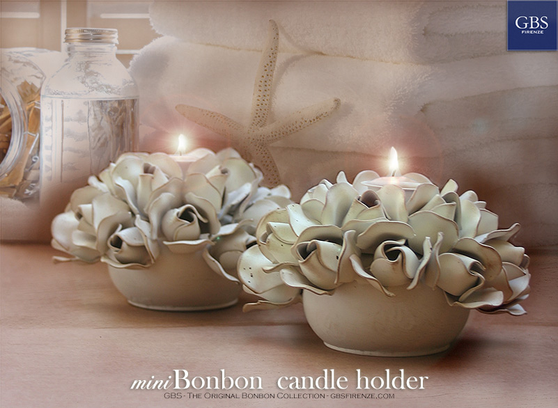 Bonbon Centerpiece. Candle holder. 14 rosebuds